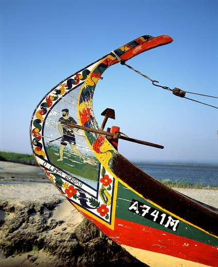 Stock Photo: 4285-7540 PORTUGAL AVEIRO LAGOON PROW OF A MOLICEIRO DECORATED FISHING BOAT