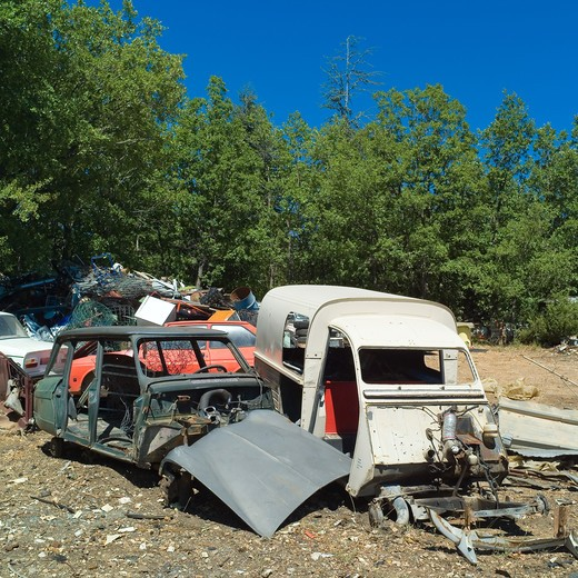 Stock Photo: 4285-8287 CAR BODIES AT RUBBISH DUMP SITE PROVENCE FRANCE