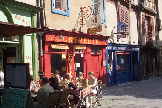 FRANCE BRITTANY RENNESSAINT-GEORGES STREET CAFE TERRACE : Stock Photo