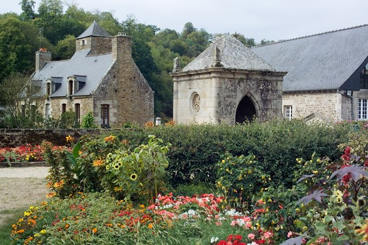Stock Photo: 4285-8590 FRANCE BRITTANY LEHON VILLAGE FLOWERBED AND ANCIENT HOUSES