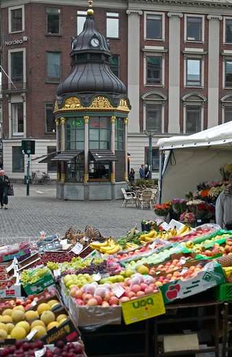 Stock Photo: 4285-9335 FRUIT MERCHANT STALL AND KIOSK COPENHAGEN DENMARK