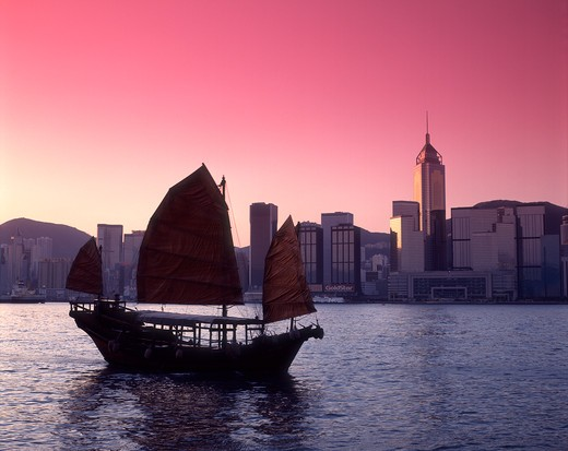 Stock Photo: 4285R-24966 China, Hong Kong, Victoria Harbour, Chinese Junk, Sunrise