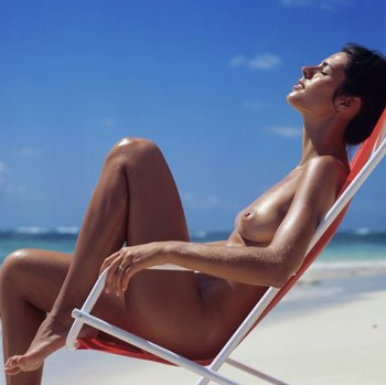 Nude beach chair theme