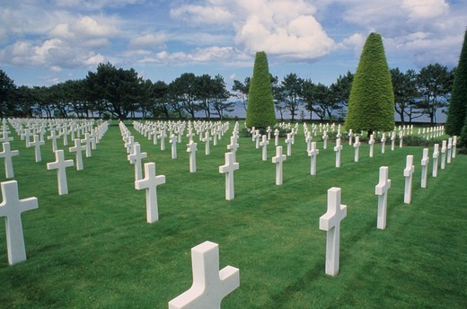 Stock Photo: 4286-17251 World War II graves at Omaha Beach Memorial in Normandy, France.