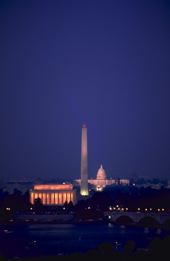 Washington DC sites viewed from across Potomac River. : Stock Photo
