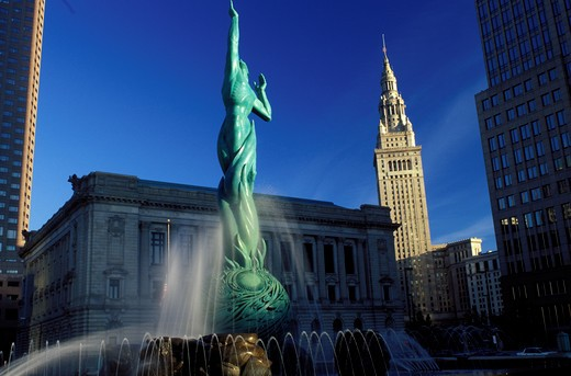 fountain, tower, Cleveland, OH, Ohio, Victory Fountain in front of the South Mall of the Terminal Tower, a Beaux-Arts skyscraper : Stock Photo