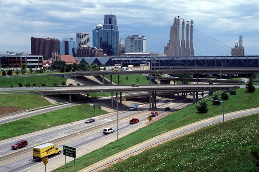 Kansas City, skyline, expressway, MO, Missouri, downtown skyline of Kansas City and I-670/I-35. : Stock Photo