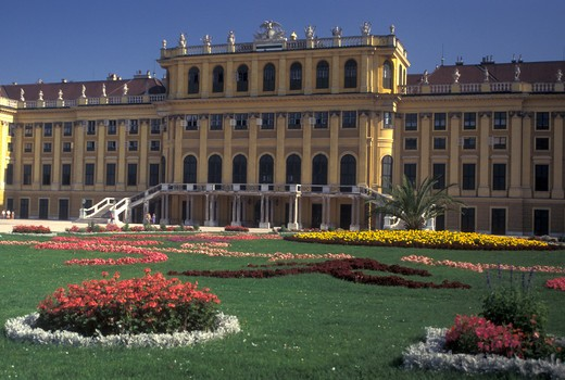 Stock Photo: 4286-20352 Vienna, Schonbrunn Palace, Austria, Wien, Schloss Schonbrunn, a 1440-room summer palace