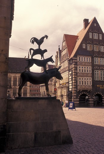 Bremen, Germany, Europe, The Bremen Town Musician statue Am Markt in downtown Bremen. : Stock Photo
