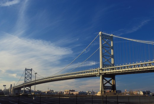 Philadelphia, bridge, PA, Pennsylvania, Benjamin Franklin Bridge crosses the Delaware River connecting Philadelphia and Camden, NJ, New Jersey : Stock Photo