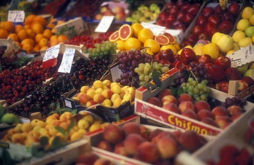 Stock Photo: 4286-24016 Italy, Florence, Mercato Centrale, fresh friuts on display