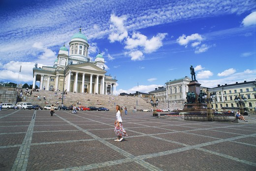 Luthern Cathedral and Alexander II Statue at Senate Square in Helsinki Finland : Stock Photo