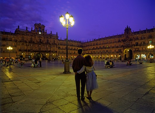 Stock Photo: 4286-25755 Couple at Plaza Mayor in Salamanca Spain