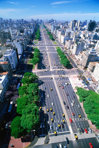 Stock Photo: 4286-27536 Overview of traffic on Avenida Nueve de Julio in Buenos Aires. Argentina