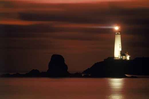 Stock Photo: 4286-28217 Pigeon Point Lighthouse in California at dusk