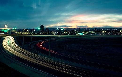 Albuquerque, New Mexico, as night falls : Stock Photo