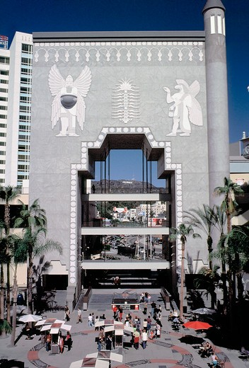 One of the latest attractions in Hollywood is this recently constructed 'gateway' located on Hollywood Boulevard and Highland, Los Angeles, California : Stock Photo