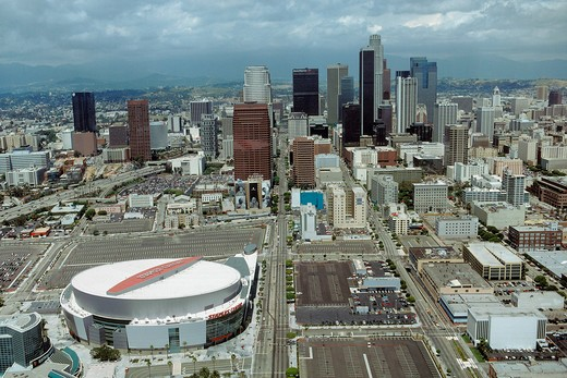 The Staples Center and the Los Angeles downtown : Stock Photo