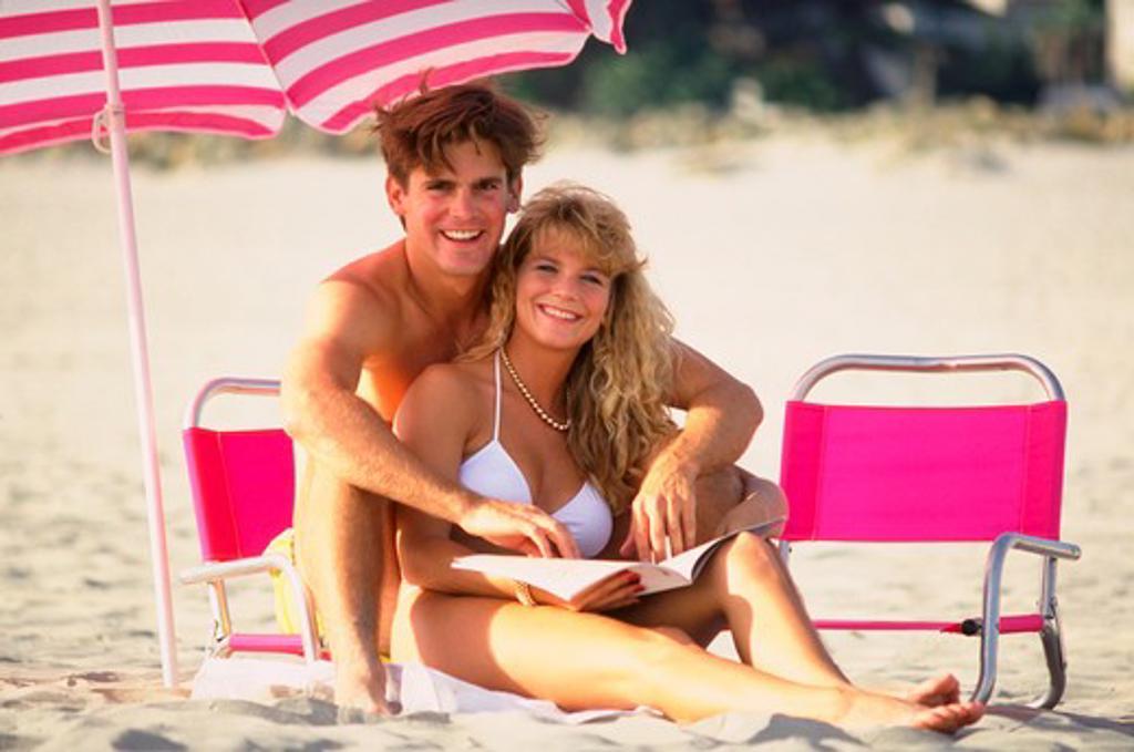 Stock Photo: 4286-43582 Couple on the beach