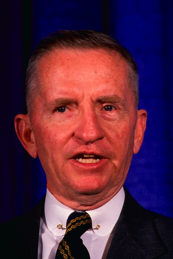 Stock Photo: 4286-54790 H. Ross Perot, Texas billionaire, at news conference in Annapolis, Maryland.