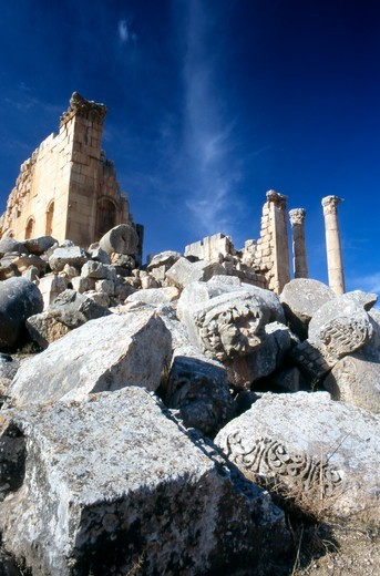 Stock Photo: 4286-56743 Jordan. The Middle East. Ruins of The Temple of Zeus in the ancient city of Jerash.