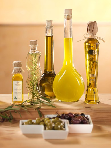 Stock Photo: 4286-62079 Olives olive oil
