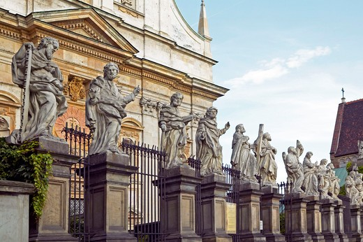 Krakow, Poland: Statues of apostles at Saints Peter and Paul Church : Stock Photo