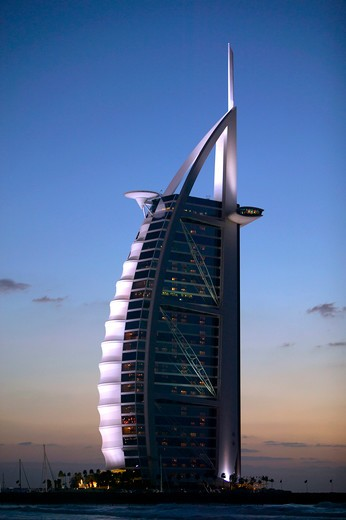 Stock Photo: 4286-64354 Dubai,  luxury Hotel Burj al Arab in the evening
