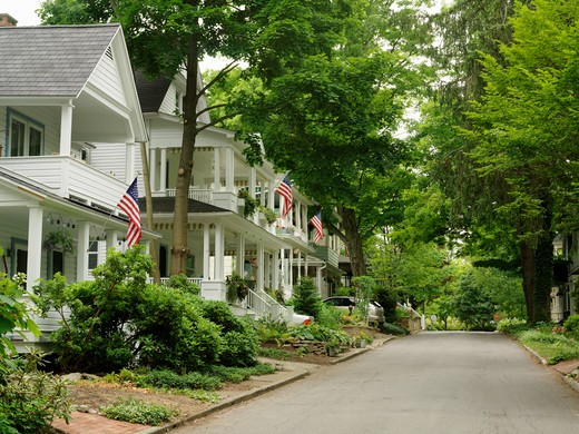 Stock Photo: 4286-74251 USA New York Chautauqua, Street scene with homes displaying US flags