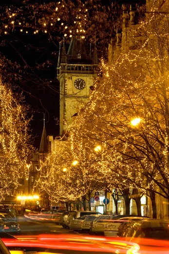 CZECH REPUBLIC PRAGUE. CHRISTMAS DECORATIONS. PARIZSKA SHOPPING STREET. OLD TOWN HALL. : Stock Photo