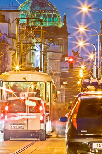 Stock Photo: 4286-78090 CZECH REPUBLIC PRAGUE. TRAFFIC IN THE CITY. NATIONAL MUSEUM.