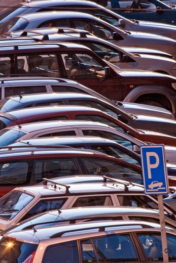 Stock Photo: 4286-78099 CZECH REPUBLIC PRAGUE. PARKED CARS.