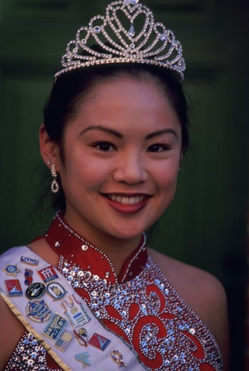Stock Photo: 4286-79107 Winner of LA?s Miss Chinatown beauty pageant, 2003
