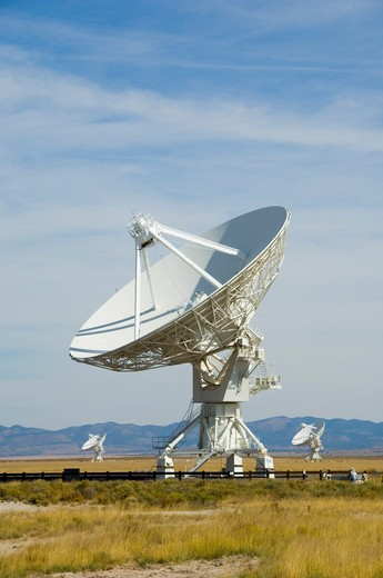 Stock Photo: 4286-84317 National Radio Astronomy Observatory in New Mexico.