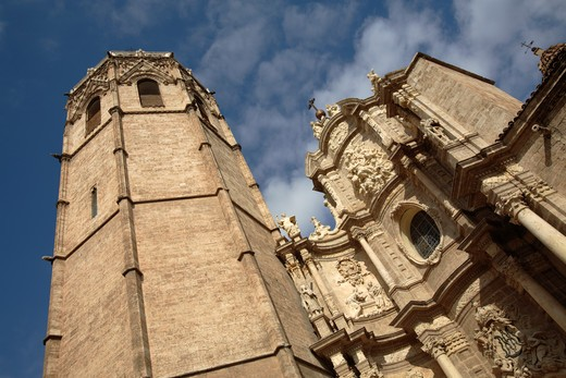 Stock Photo: 4286-86364 Saint Mary Cathedral and the Miguelete tower, Valencia, Spain