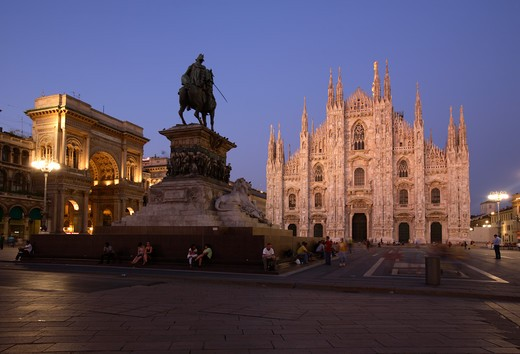 Stock Photo: 4286-86787 Piazza Duomo with Cathedral and Vittorio Emanuele equestrian monument, Milan, Italy