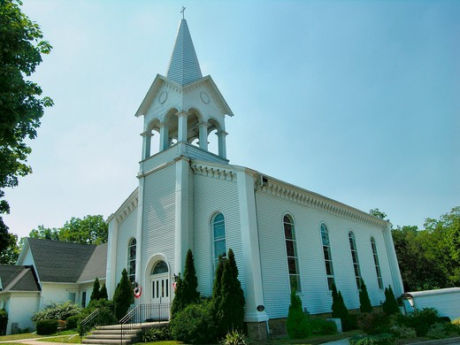 Stock Photo: 4286-89788 Presbyterian church in Brockport, New York
