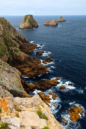 Stock Photo: 4286R-2462 Scenic view from Pointe de Penhir on Atlantic coast in Brittany, France