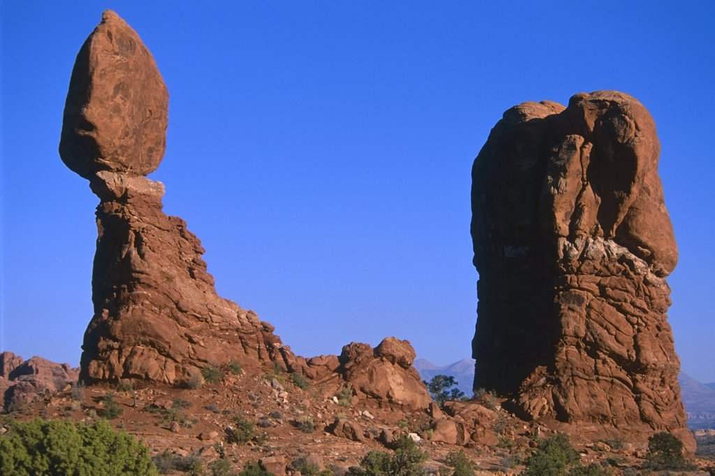 Balanced Rock Arches National Park Utah USA Summer : Stock Photo