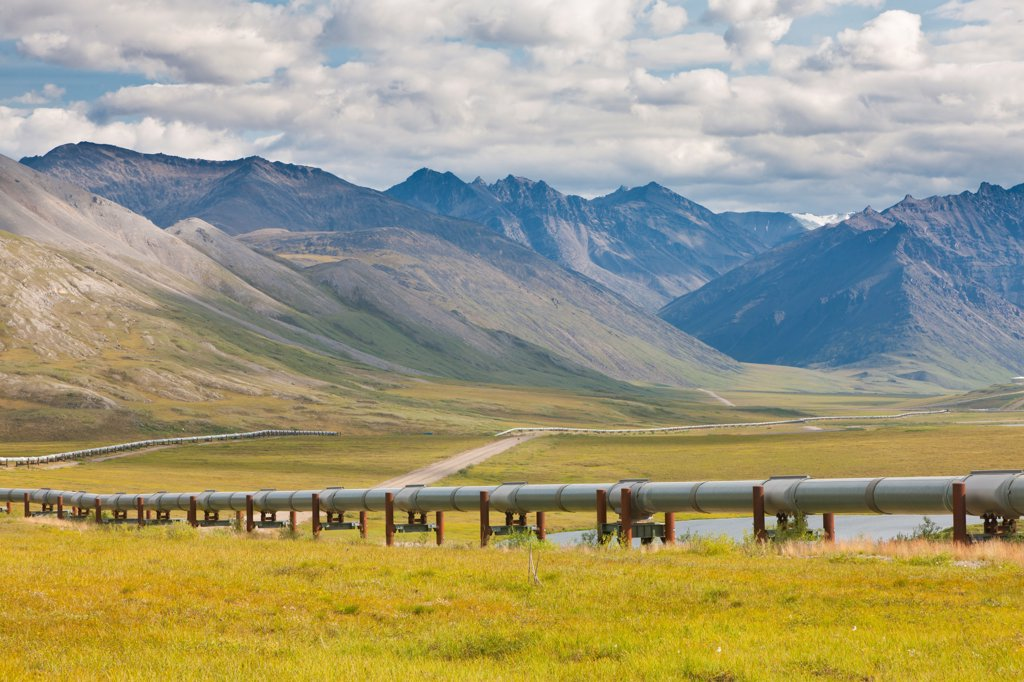 Stock Photo: 4289-13467 Scenic view of the Dalton Highway, Alyeska Pipeline and north slopes of Brooks Range, north side of Atigun Pass, Arctic Alaska, Summer