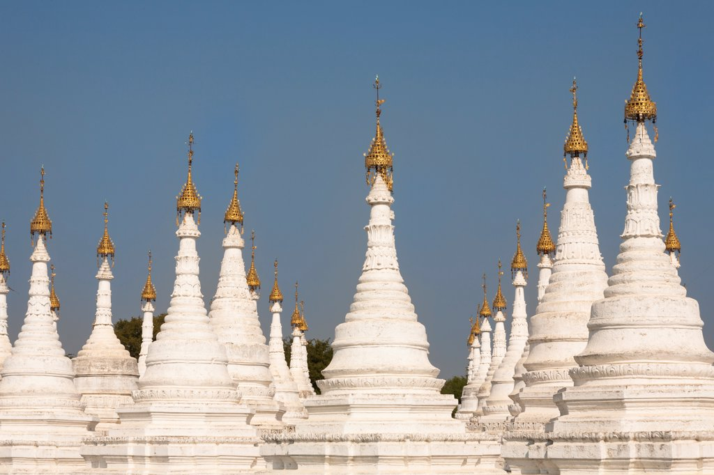 Stock Photo: 4290-10354 Stupas and htis of Sandamuni Pagoda, Mandalay, Myanmar, (Burma)