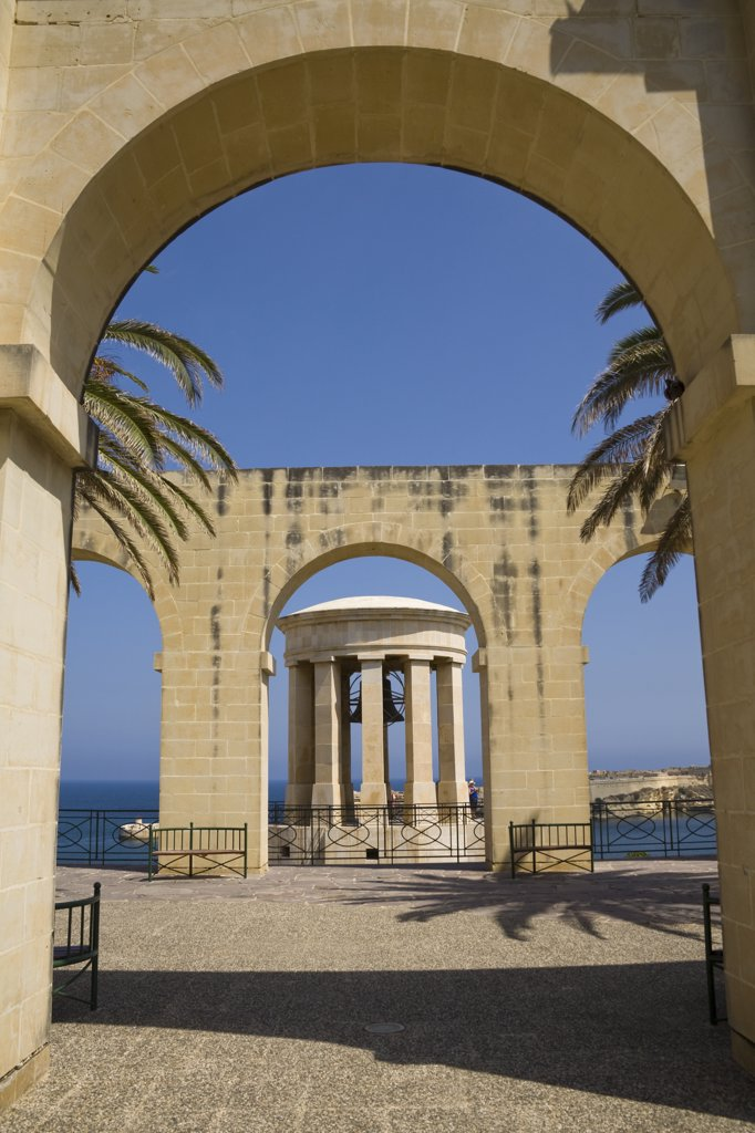 Stock Photo: 4290-1218 Siege bell monument, World War II Memorial, Lower Barracca Gardens, Valletta, Malta