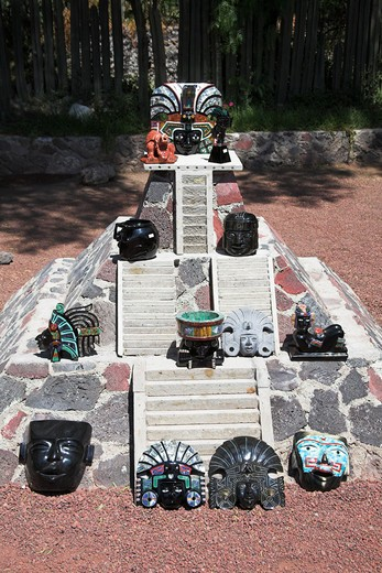 Stock Photo: 4290-1789 Ornamental gifts made from minerals and shell, on a pyramid, Teotihuacan Archaeological Site, Mexico City, Mexico