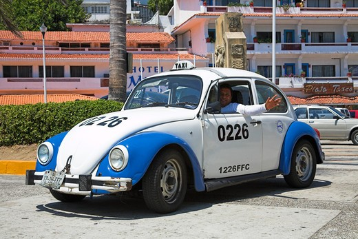 Stock Photo: 4290-2080 Taxi at roadside, Acapulco, Guerrero State, Mexico