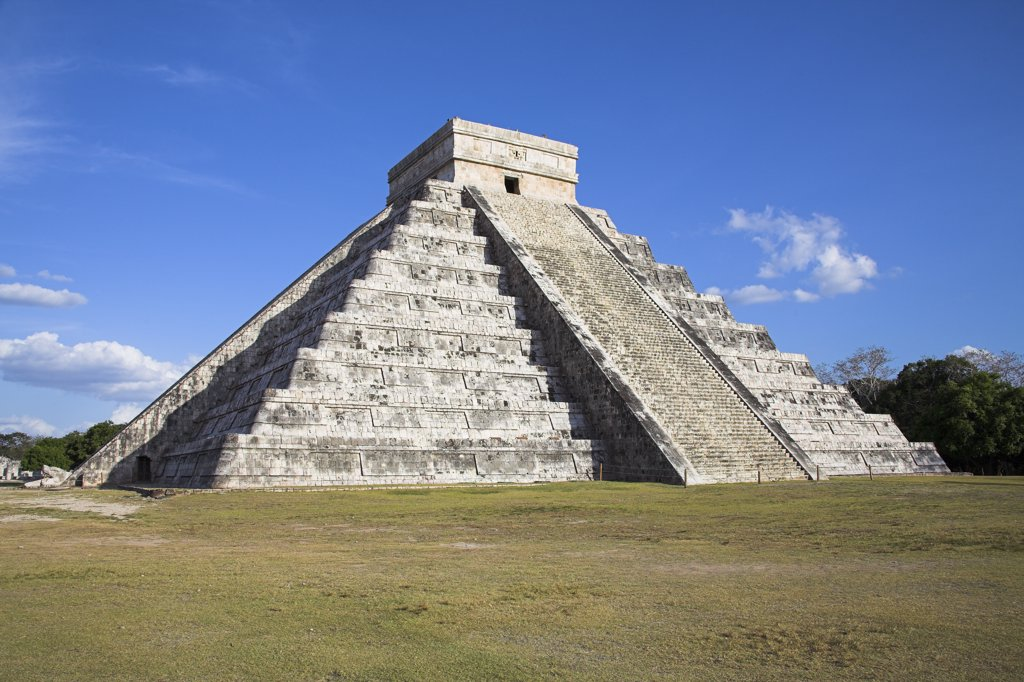 Stock Photo: 4290-2526 El Castillo, Pyramid of Kukulkan, Chichen Itza Archaeological Site, Chichen Itza, Yucatan State, Mexico