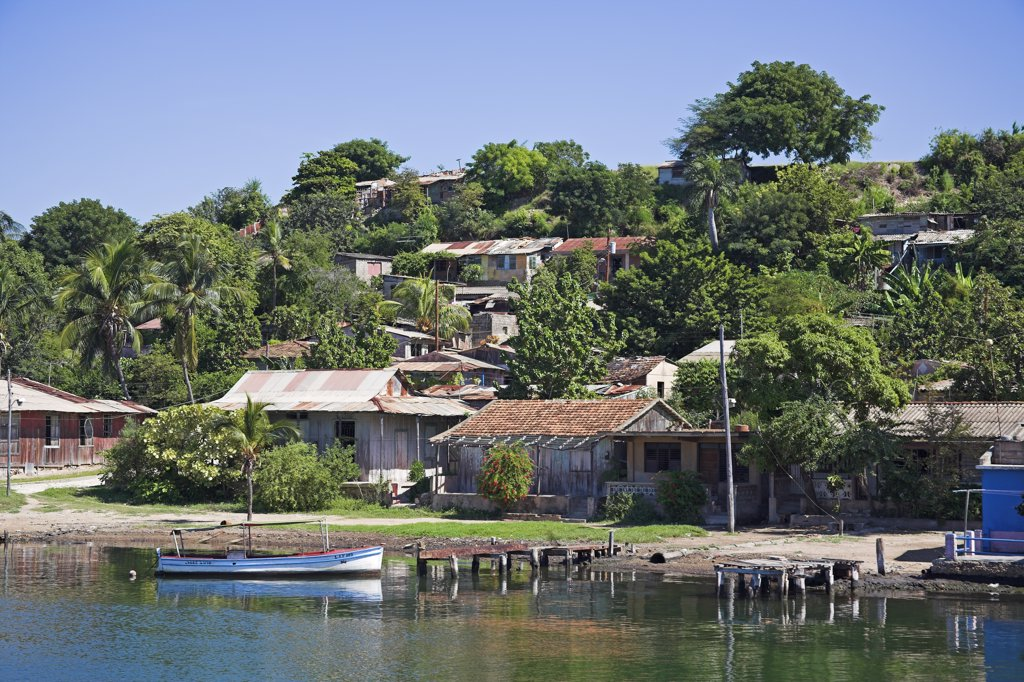 Stock Photo: 4290-2743 Houses on the shore of Cayo Granma, Santiago Bay, Santiago de Cuba, Cuba