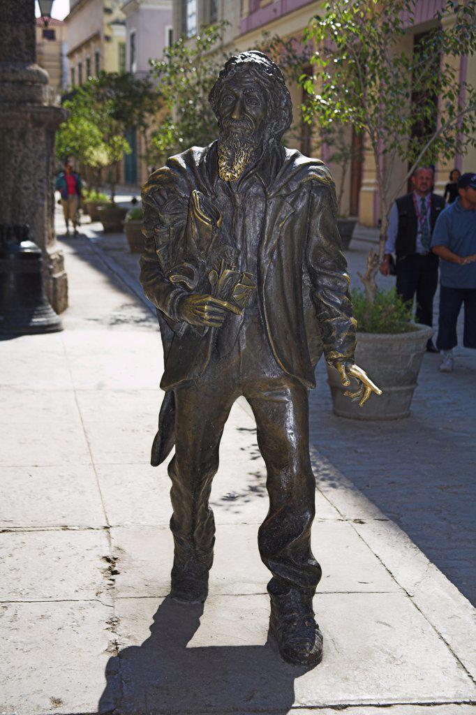 El Caballero de Paris, Gentleman from Paris statue, Plaza de San Francisco, Havana, La Habana Vieja, Cuba : Stock Photo
