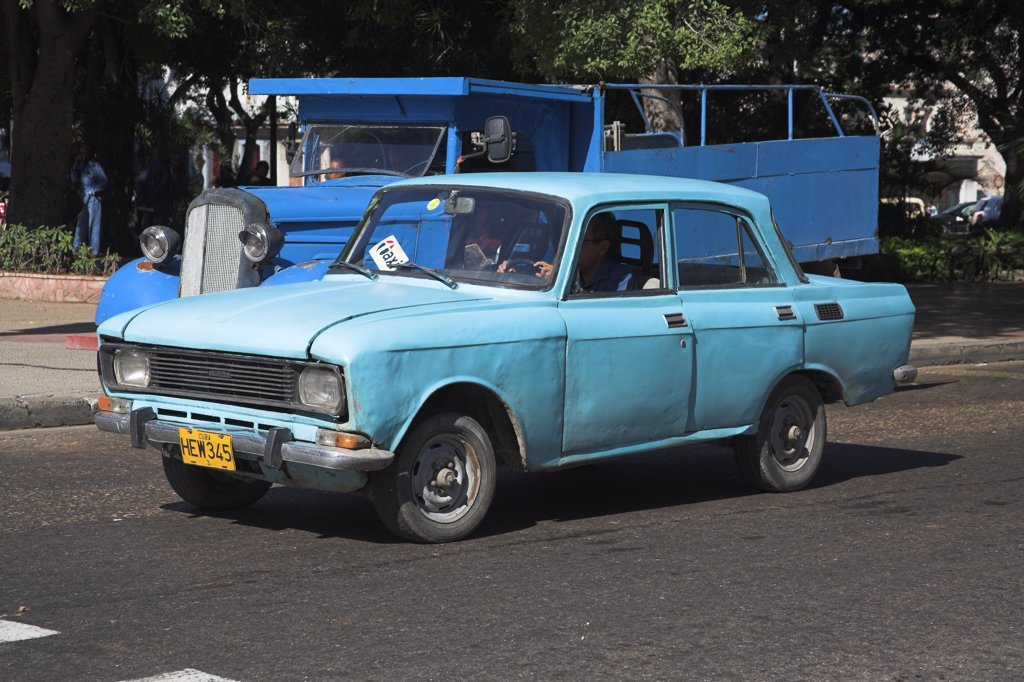 Old blue classic taxi, Havana, La Habana Vieja, Cuba : Stock Photo