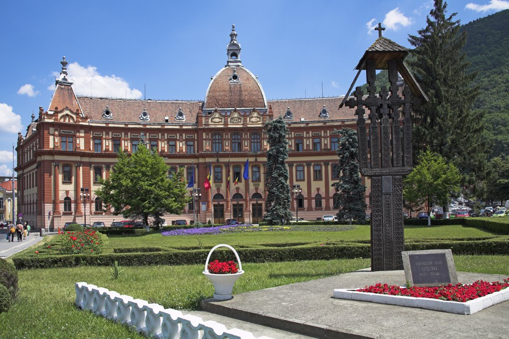 Stock Photo: 4290-3482 District Council offices, Memorial to victims of 1989 revolution, Brasov, Transylvania, Romania