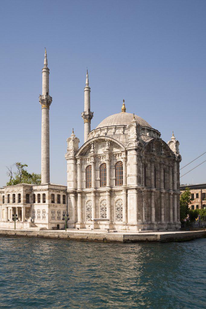 Stock Photo: 4290-3652 Ortakoy Mosque, beside the Bosphorus, Ortakoy, Istanbul, Turkey